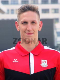deutscher Schwimmer Lukas Märtens SC Magdeburg bei Verabschiedung für Tokio Olympia 2021