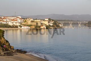 Vila Nova de Milfontes mit Rio Mira, Alentejo, Portugal