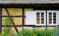 Fachwerkhaus mit Blumen