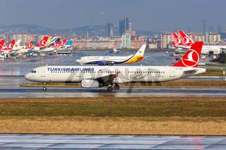 Turkish Airlines Airbus A321 Flugzeug Flughafen Istanbul Atatürk