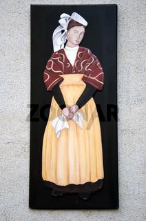Frau in bretonischer Tracht