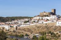 Altstadt von Mertola mit Burg, Alentejo, Portugal