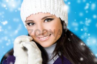 beautiful woman in winter fashion.