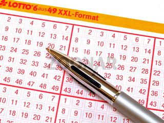 ein Lottoschein / a lottery ticket