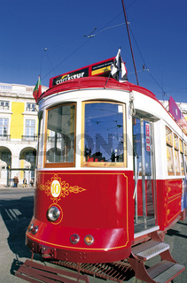 Portugal: Historische 'Electrico' in Lissabon