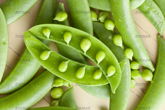 green peas pods