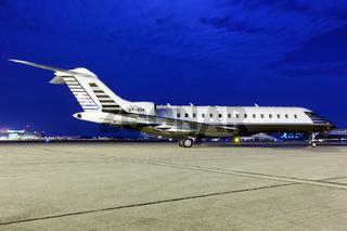 Bombardier BD-700-1A10 Global 6000 Flugzeug Flughafen Stuttgart in Deutschland