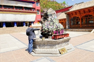 Opfergaben im Kloster Kumbum Champa Ling Xining