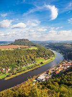 Blick über die Elbe auf die Sächsische Schweiz