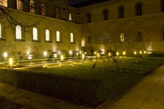 Der Kabinettsgarten in München bei Nacht