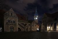 Der Burgplatz in Braunschweig zur Nacht