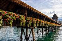 The famous covered bridge of Lucerne, Swiss (Die berühmte überdachte Brücke von Luzern, Schweizer)