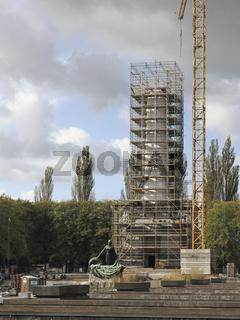 Restaurierung Sowjetisches Ehrenmal Schoenholz