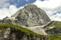 Mangart Berg in Slowenien im Sommer