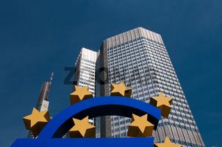 Euro-Zeichen, Europäische Zentralbank, EZB, Willy-Brandt-Platz, Bankenviertel, Frankfurt am Main, Hessen, Deuschland, Europa
