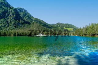 Der Toblacher See in den italienischen Dolomiten
