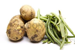 Frische Kartoffeln mit Bohnen