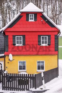 Das kleine Haus am Waldrand