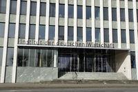 Zentrale des Institut der deutschen Wirtschaft am Kölner Rheinufer