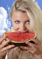 Frau mit Melone