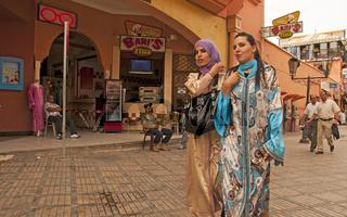 Kleidung fur frauen in marrakesch