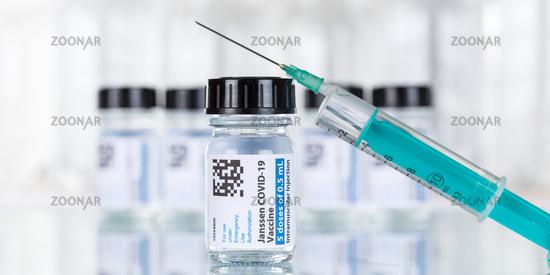 Johnson  Johnson Corona Virus Impfstoff Coronavirus COVID-19 Covid Impfung Spritze Vaccine Textfreiraum Copyspace Banner