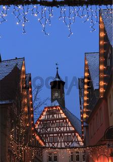 Weihnachtsbeleuchtung an Fachwerkhäuser in der Altstadt