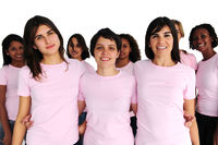 Bewusstsein gegen Brustkrebs: Frauen mit rosa T-Shirts