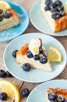 Leckerer Obstkuchen mit Blaubeeren