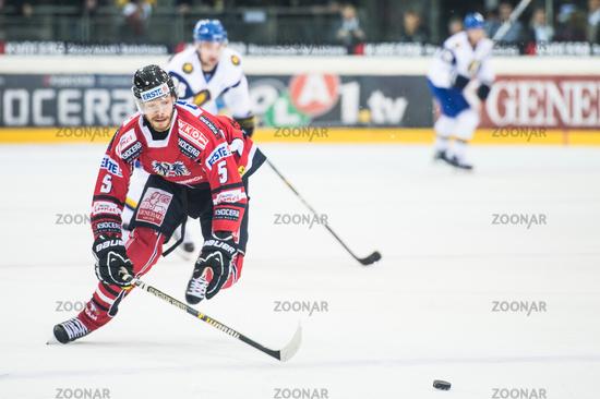 international hockey game