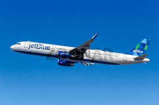 JetBlue Airbus A321 Flugzeug Flughafen New York JFK in den USA