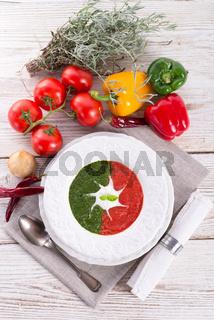 tomato-spinach cream soup