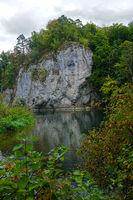 Naturpark Obere Donau; Amalienfelsen in den fürstlichen Anlage an der Donau bei Inzigkofen