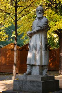 Billroth Statue
