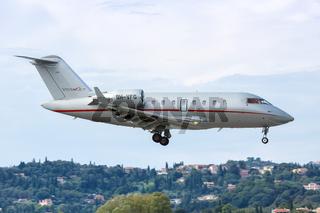 VistaJet Bombardier Challenger 605 Flugzeug Flughafen Korfu in Griechenland