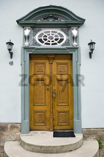 kunstvolle Haustür von Haus Theune