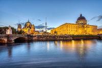 Das Stadtschloss, der Dom und der Fernsehturm in Berlin