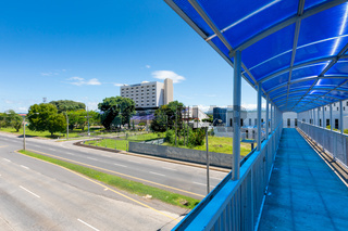 Panama David, an elevated covered walkway in the hospital area