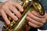 Saxofon und Haende 7a.jpg