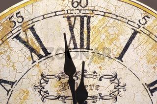 Uhr auf Mitternacht