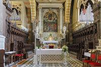 Altar in der Kathedrale Santa Maria Assunta