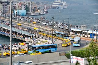 Rush Hour an der Galatabrücke - Istanbul
