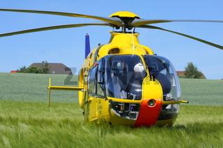 Hubschrauber im Kornfeld