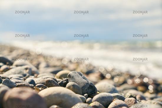 Kieselsteine und Steine am Strand der Ostsee