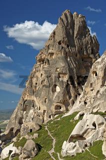 Tuffsteinfelsen mit Kavernen, Uchisar, Türkei