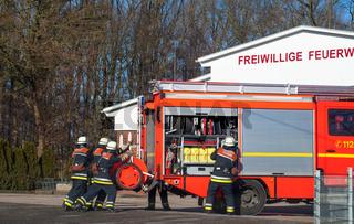 Feuerwehr Einsatzfahrzeug im Einsatz