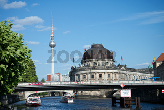 Berliner Museum und Fernsehturm