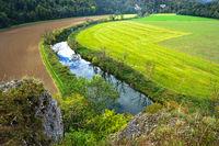 Naturpark Obere Donau; Blick vom Känzele auf die Donau bei Inzigkofen, Baden Württemberg, Deutschland