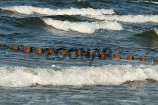Wellenbrecher seitlich