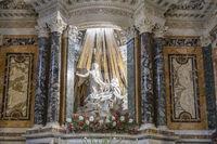 Die Verzückung der Heiligen Teresa von Giovanni Lorenzo Bernini in der Kirche Santa Maria della Vittoria in Rom